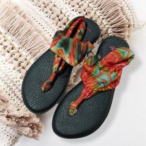 Sanuk orange green sandals sz 7